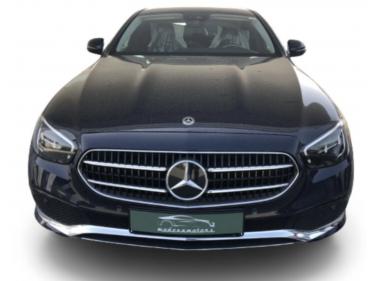 NEW Mercedes-Benz E 200...